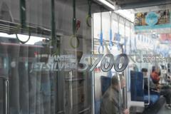 HS5700syanai_018