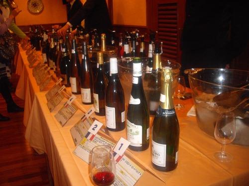 『ワイン試飲会』(田町)ワインの列