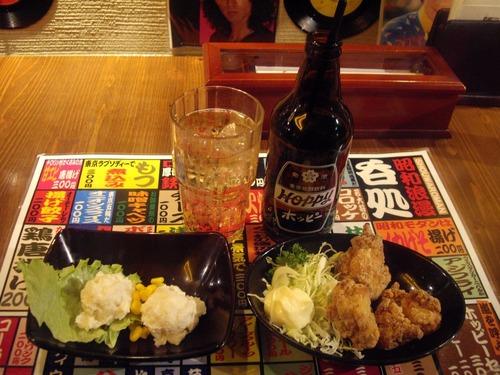 『ちりめん亭』(市ヶ谷)ホッピー、ポテトサラダ、唐揚げ