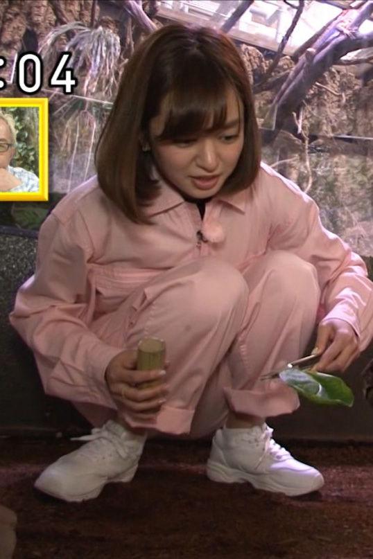後藤晴菜アナ(27)うんこ座りにくしゃくしゃの顔がアヘ顔みたいでエロいww【エロ画像】