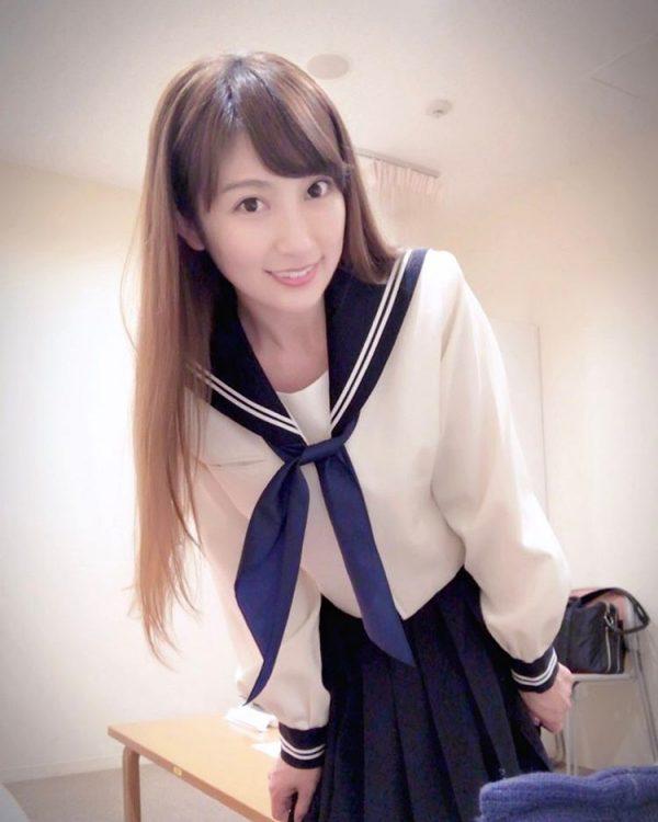 「テンション上がっちゃった」熊田曜子(35)が熟女セーラー服ブームに便乗