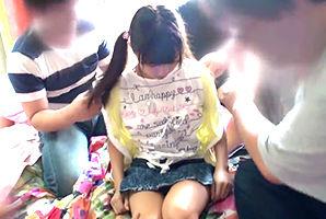 後に参加者が逮捕されたオフ会の巨乳少女輪姦パーティー映像