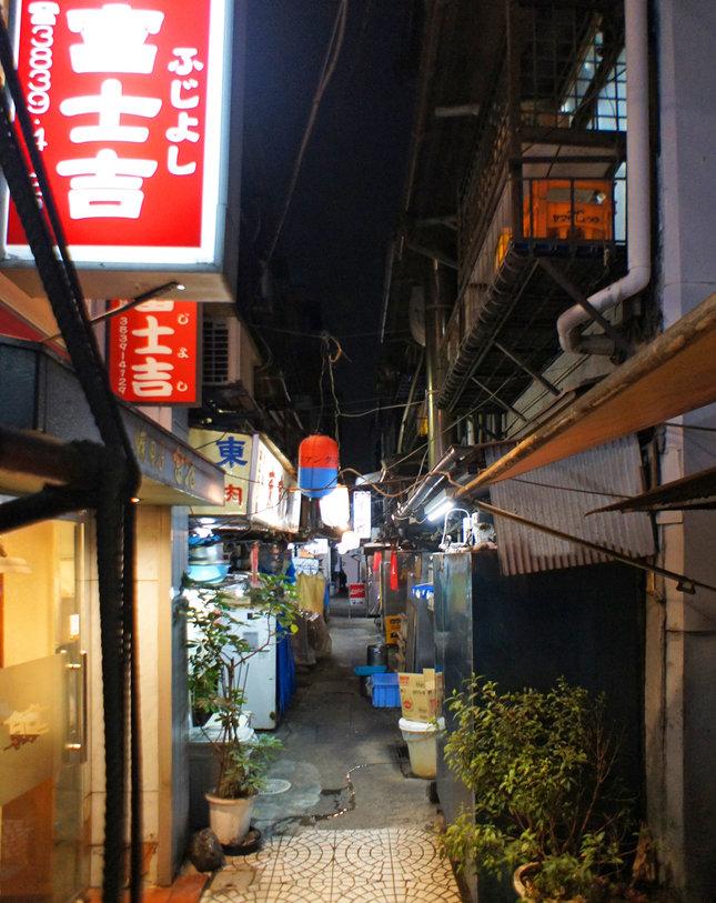 キムチ横丁 : 夜散歩のススメ