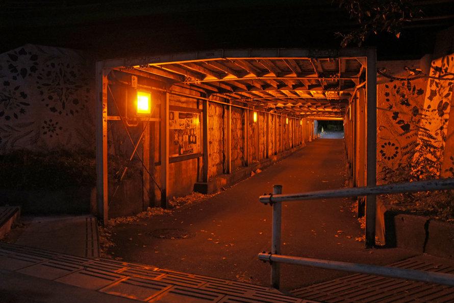 「港町架道橋(東京都港区浜松町2-10)」の画像検索結果