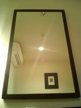 鏡越しの天井