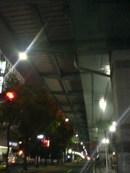 夜の高架下
