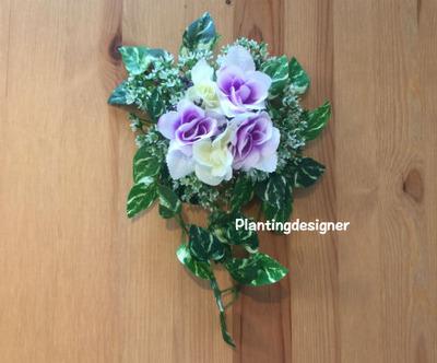 100円ショップの造花ハンギング:紫