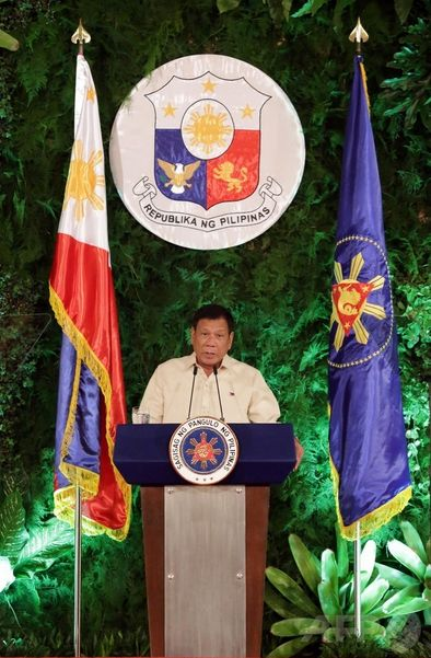 フィリピン大統領-1