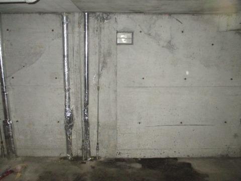 1F車庫水抜栓・立ち上がり