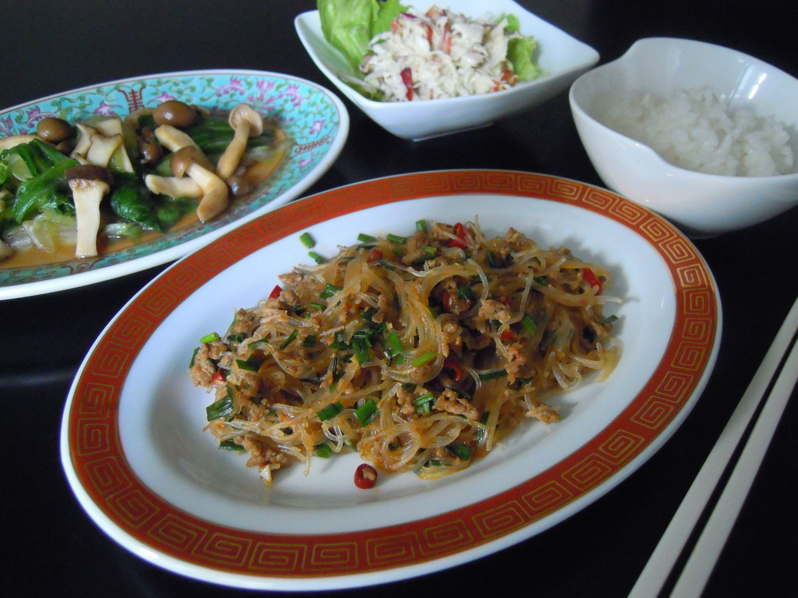 Mme.Sacicoの東京お昼ごはん : マーボー春雨&レタスとキノコの ...