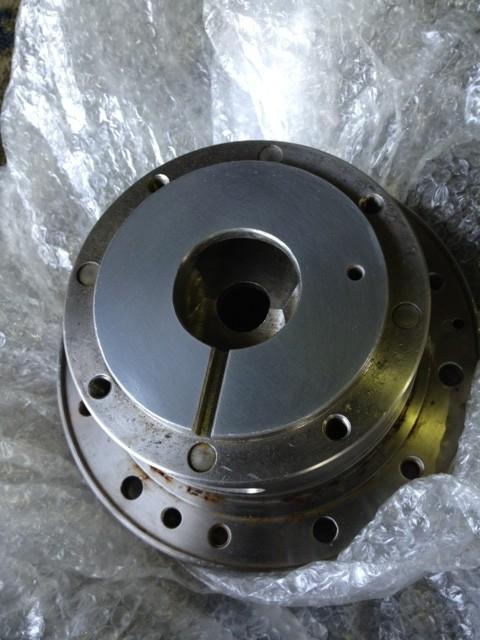 材質;SUS304 腐食したポーラスクロームメッキ表面を再生にてポーラスクロームメッキ表面にする。