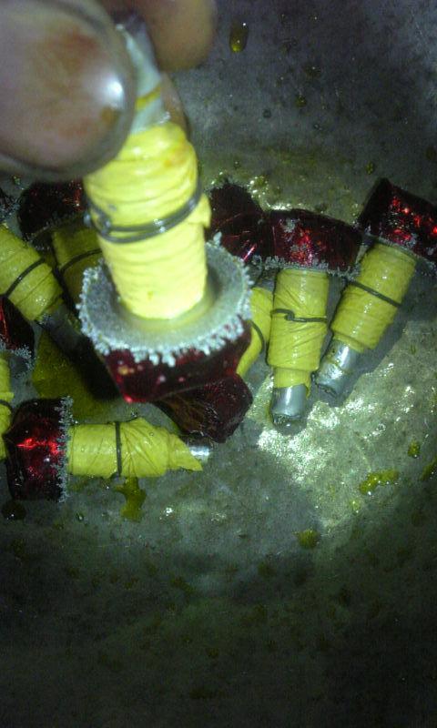 精密機械部品の側面に硬質クロームメッキを50ミクロン(0,05mm)以上施しました