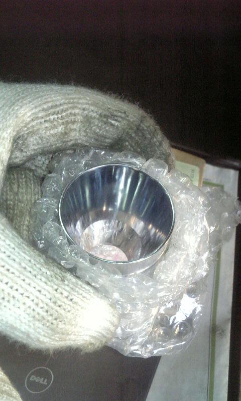 樹脂金型・押し出し機ヘッドの内面に硬質クロームめっきを施し鏡面フェルト仕上げをする。