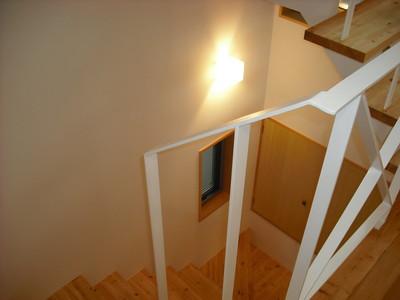 前田邸階段3