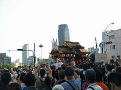 2010天神祭り25日 17:00陸渡行