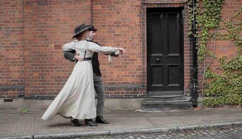 100秒でロンドン100年間のファッションの歴史が分かる1