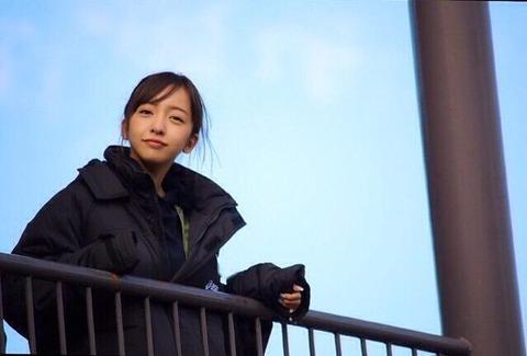 板野友美8
