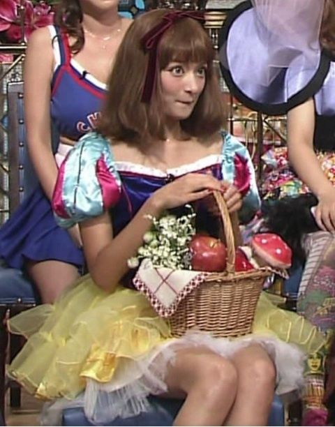 ローラ 白雪姫 コス