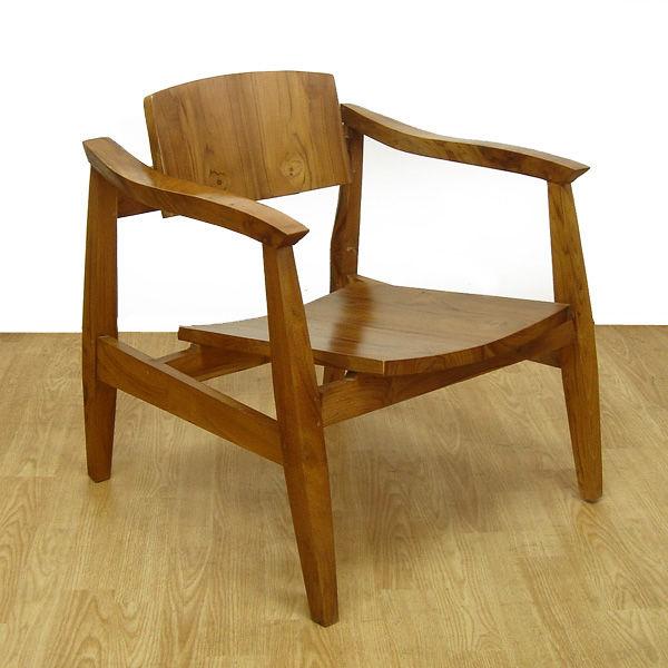 チーク無垢材の肘掛椅子