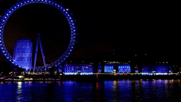 ロンドンアイ ライトアップ