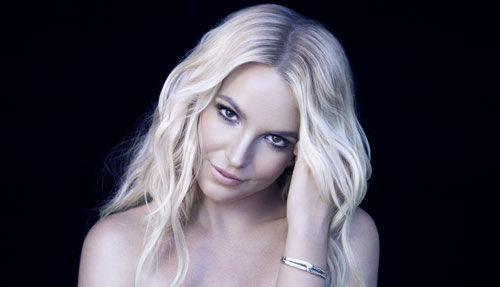 Britney spears iggy azalea pretty girls all around the world pretty girls wipe the floor with all the boys pour the drinks bring the noise its iggy iggs were just so pretty voltagebd Image collections