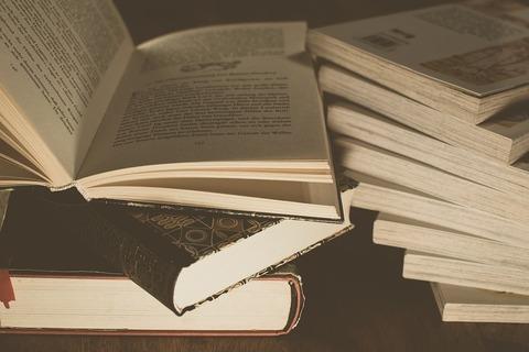 literature-3324023_960_720