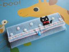 黒猫ペンケース1