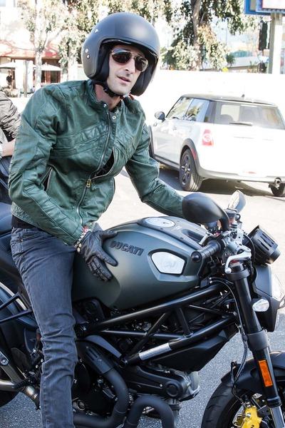 Adrien Brody_ Ducati#A3D939