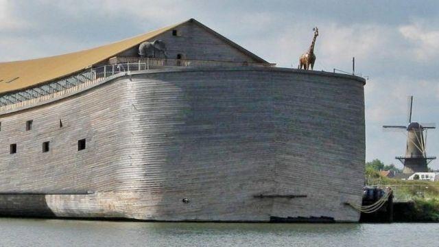 大洪水の夢を見たオランダ人男性が建てた、5,000人収容できる巨大なノアの箱舟