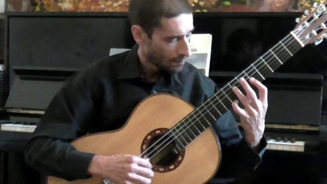 「そんな演奏方法もアリなんだ!?」という驚きのあるクラシック・ギター演奏