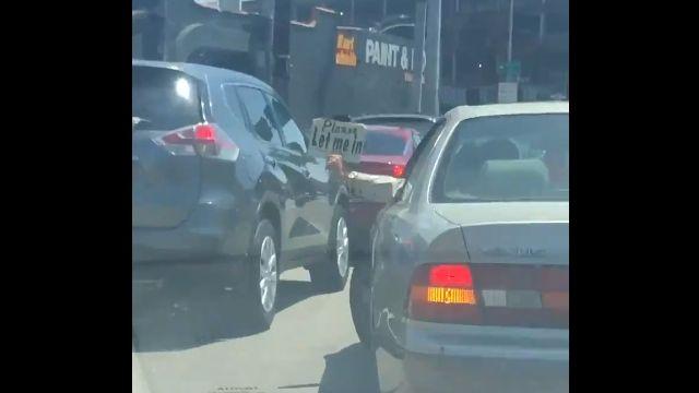 車はもっと意思表示できてもいいんじゃないか?と、そう思わせてくれる瞬間