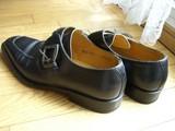 革靴ってどの部分も硬いよねぇ