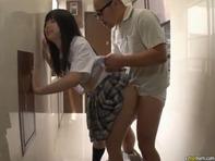 【中出しレイプ】再婚した嫁の連れ子のJC中学生に孕ませ中出しベロチューレイプするメタボで鬼畜なロリコン親父ww