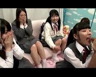 【マジックミラー号】東京で修学旅行中のチンポに興味津々JCロリっ娘5人組をMM号に乗り込ませハーレム過ぎるエッチな性教育しちゃいますたww