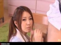 【女子高生フェラ】カメラ目線で本当に美味しそうにデカチンコをフェラチオしちゃう女子高生ww