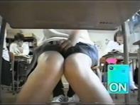 【リモコンバイブ】セックスフレンドの女子中学生にリモバイ装着させてモジモジする様子を盗撮するの楽し杉ww