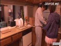 【ジュボフェラ】女子高生橘ひなたちゃんがお兄ちゃんの朝立ちチンポ匂い嗅いだり手コキしたりジュボジュボフェラチオしちゃうww