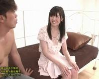 【裸エプロン】超絶アイドル級の黒髪美少女がパイパンマンコにクチュクチュ男根食わえながらお料理教室ww