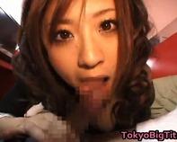 【主観フェラ】ヤリマン黒ギャルお姉さんがネットカフェで上目使いバキュームフェラ口内発射ごっくんww