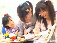 【JSレズビアン】ちっぱい貧乳のJSチビッコ三姉妹が仲が良すぎてレズキス&クンニのレズプレイww