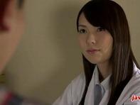 【フェラ女医さん】ビンビンに勃起したチンコに発情しちゃった白衣の女医さんが手コキ乳首舐めネットリ濃厚バキュームフェラww
