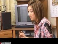 【フェラチオ】ギャル系羽田あいちゃんが素人ファンの臭っさいチンコを美味しそうにフェラご奉仕w