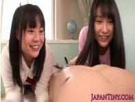 【JSフェラチオ】JS小学生と女子高生の妹に乳首舐め&フェラチオ逆レイプされちってるお兄ちゃんが裏山すぐるww
