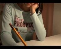 【クンニ小学生くぱぁww】ロリコンお父さんが初潮前のパイパンJS幼女娘をM字開脚ペロペロくちゅくちゅクンニ性教育とかww