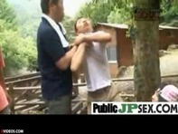 【JS性教育】夏休みのキャンプ場で何も知らない純真無垢なJSロリっ娘を騙してフェラチオ実技指導しちゃうロリコンおっさんww