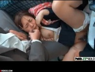【JC痴漢】幼児体型でロリ巨乳のJCが通学バスで痴漢に激しく犯されるエロゲ状態の輪姦レイプww