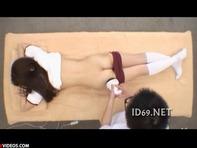 【エロマッサージ】JCみたいなブルマ体操服の貧乳ロリっ娘がハメ撮り&エロマッサージww