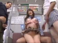 【上原亜衣レイプ】巨乳女子高生の上原亜衣ちゃんが痴漢サラリーマンに輪姦レイプされるww