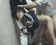 【JS中出しレイプ】レイプ魔がジャージ萌えのJS小学生をストーキングしてトイレで犯行に及ぶ一部始終をご覧下さいww