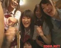【中学生ハーレム乱交】ギャル女子中学生20人に囲まれて嬉し恥ずかしハーレム手コキ逆3P逆レイプ!という夢を見ますたww